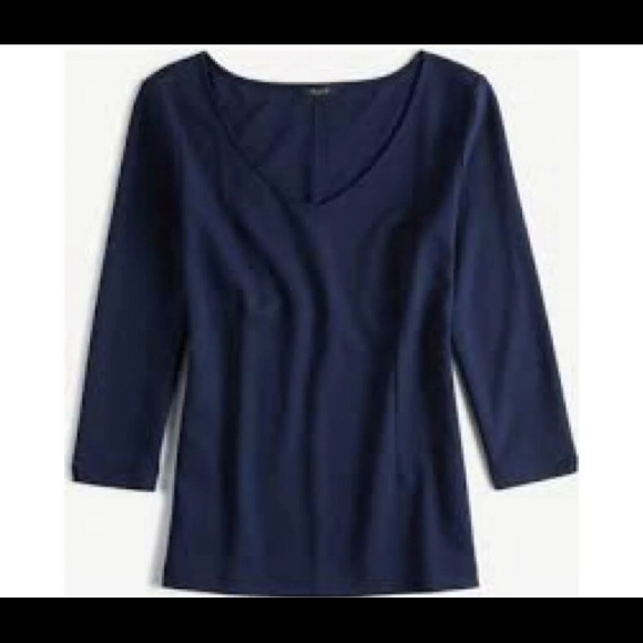 NWT Ann Taylor Ponte Vneck Top In XS